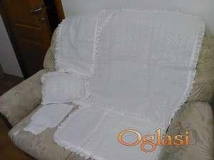 posteljina bela sa cipkom